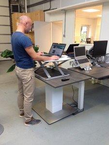 työtaso säädettävä työpöytä